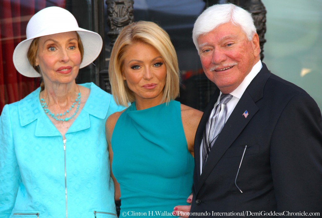 Esther Ripa & Joe Ripa celebrate with daughter Kelly Ripa at her Hollywood Walk Of Fame Star dedication ceremony ©Clinton H.Wallace/Photomundo International/DemiGoddessChronicle.com