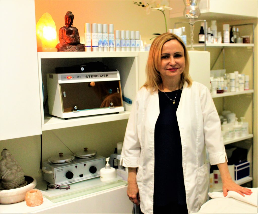 Celebrity Esthetician Margaret Tomaszewicz in her studio. Photo by: Demigoddesschronicle.com