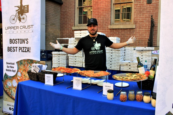 Upper Crust Pizzeria was serving up hot and delicious slices for all. Photo credit: DemiGoddessChronicle.com